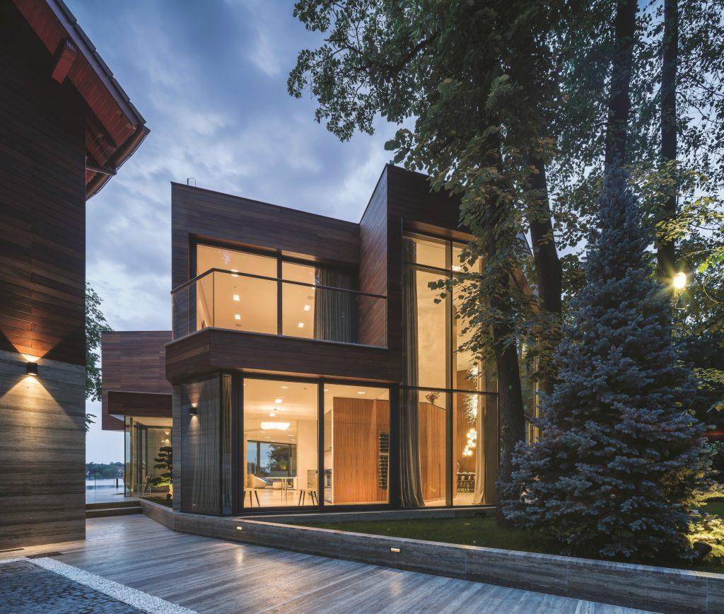 Award-winning Dekko Window Systems are adding stylish aluminium windows to their much-celebrated Räum Collection.