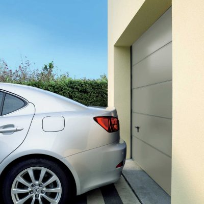 Garage door with smooth appearance